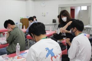 体感授業型オープンキャンパス時の宮田先生。
